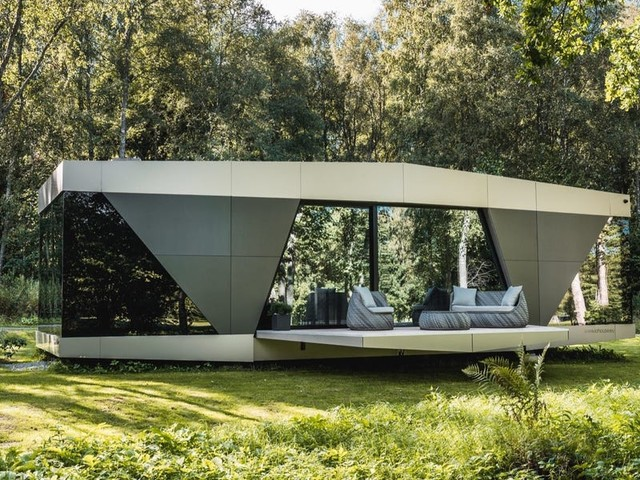 This sleek futuristic off-grid smart home can cost up to $413,00 and only takes 90 minutes to install — take a look inside 'Space'