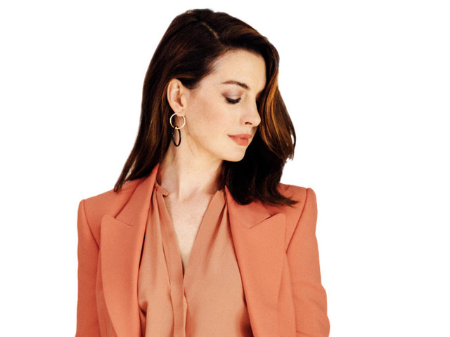 A Word With: Anne Hathaway Dares You Not to Look Away