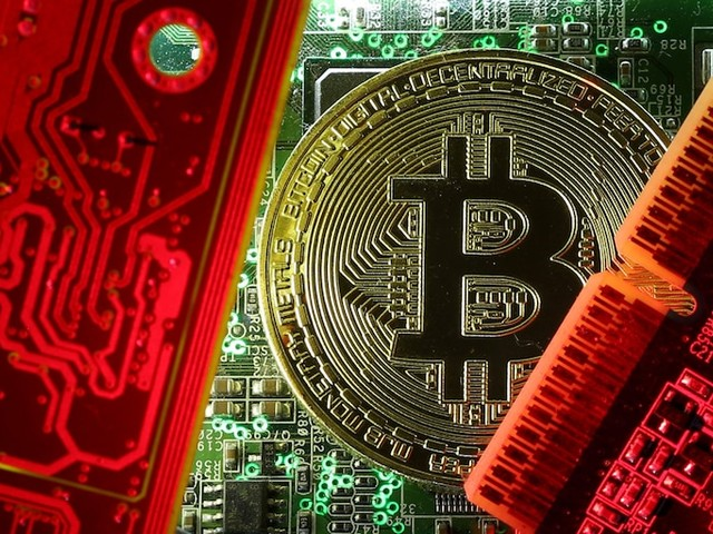 Bitcoin tumbles below $8,000 for the first time since June