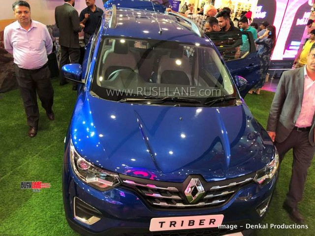 Renault Triber makes public debut at a mall before launch