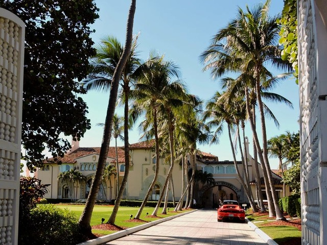 I spent the day around Mar-a-Lago. See the exclusive enclave where Trump is retreating, complete with billionaire neighbors, ornate mansions, and Floridian Ferraris.
