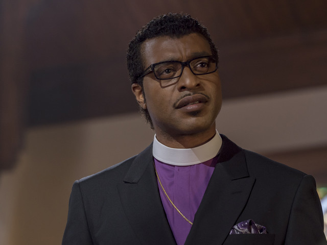'Come Sunday' Review: Chiwetel Ejiofor Is a Minister with a Radical Idea | Sundance 2018