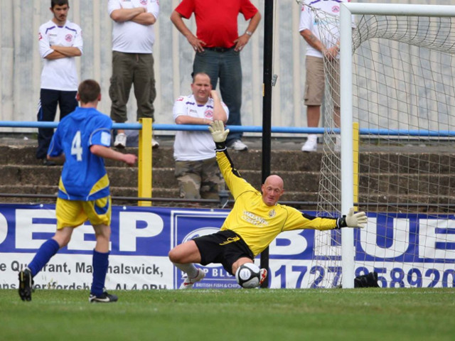 The Old Cat: Non-League Goalkeeper Paul Bastock Makes 1,250th Career Appearance To Break Peter Shilton's Long-Standing World Record