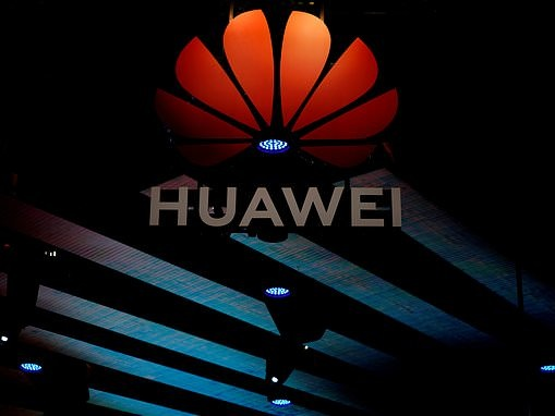 Huawei says its next-generation 5G smartphone will cost less than £500