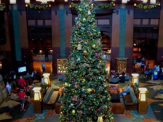 A Look at Holiday Decorations at Disney's Grand Californian Resort