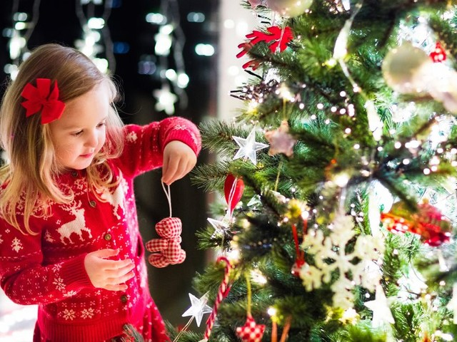 30 wonderful Christmas gift ideas under £30 - for the whole family