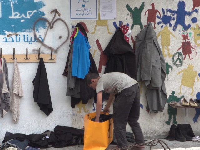 This 'Wall Of Kindness' In Beirut Is Helping Those In Need