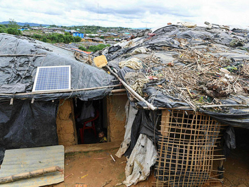 Solar panels offer a lifeline in Rohingya refugee camps