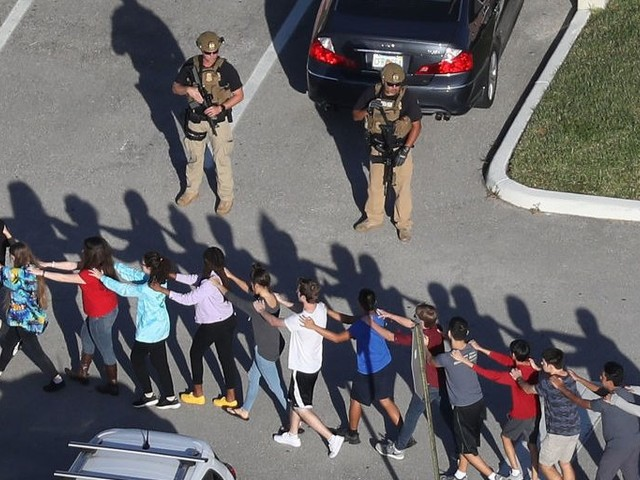 A tape delay in the Florida shooting security footage seems to have confused police as they were searching for the gunman