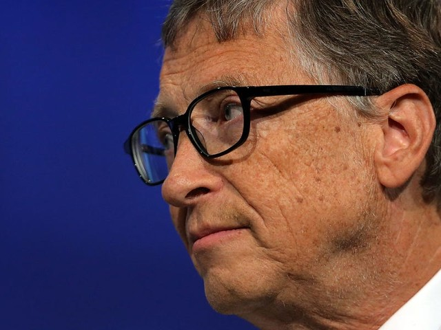 Bill Gates thinks the COVID-19 pandemic won't be over until the end of 2021, even for the world's richest countries