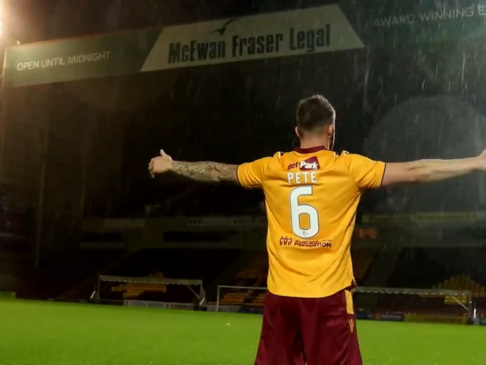 'Are We Doing This Right, Man Utd?' – Motherwell Announce Signing Of Peter Hartley With Cheeky Alexis Sanchez Parody (Video)