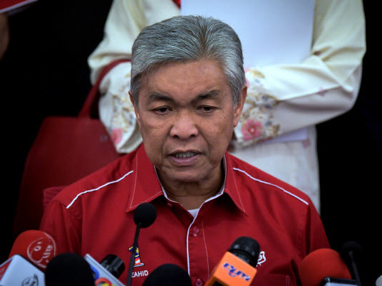Umno drifting aimlessly like a lost ship, say grassroots leaders