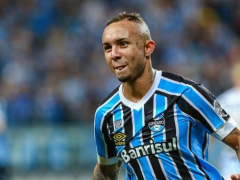 Report: Liverpool eye move for Everton Soares