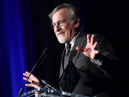 Steven Spielberg Takes Veiled Shot at Streamers, Urges Filmmakers to Make Movies for Theaters