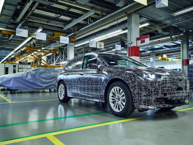 Plant Dingolfing gets 400 million euros for BMW iNEXT
