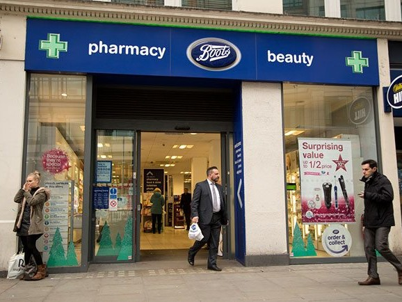 Boots to replace plastic bags with paper replacements