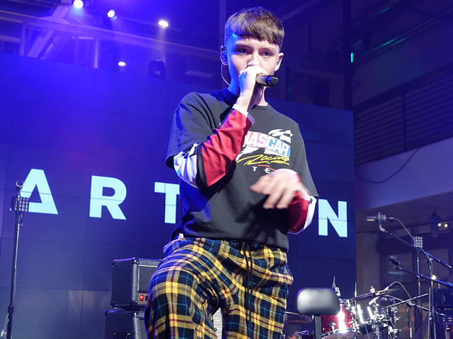Watch Marteen Perform His Spicy New Song 'Sriracha' Live!