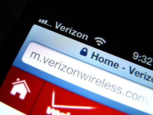 Verizon Accused of Throttling Netflix, YouTube Usage Before Limits Hit