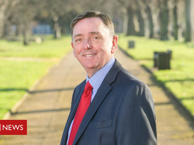 Newham mayor Sir Robin Wales deselected after 23 years