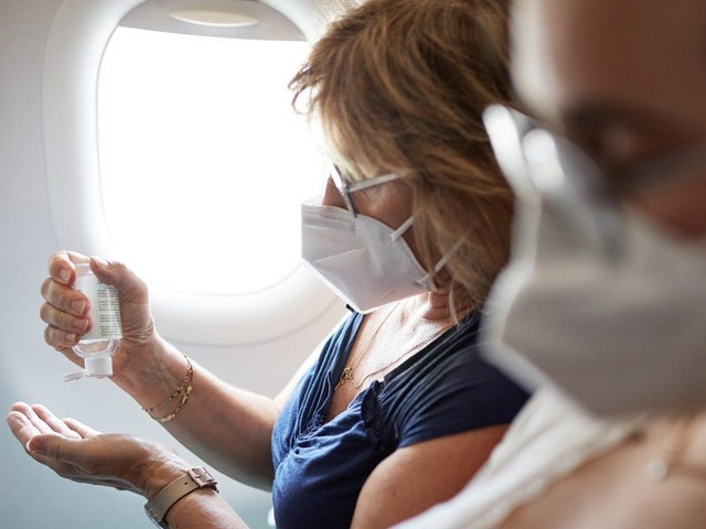 Here's the coronavirus safety gear you should pack if you really must travel this holiday season