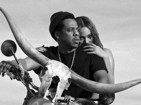 Beyonce and Jay-Z pay tribute to victims of Grenfell blaze at London show
