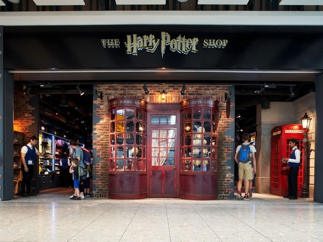 The Harry Potter Shop At Heathrow Terminal 5 Just Got Bigger