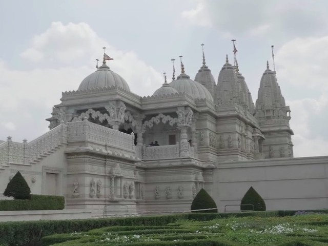 Neasden Temple: One Of London's Most Stunning (And Surprising) Buildings