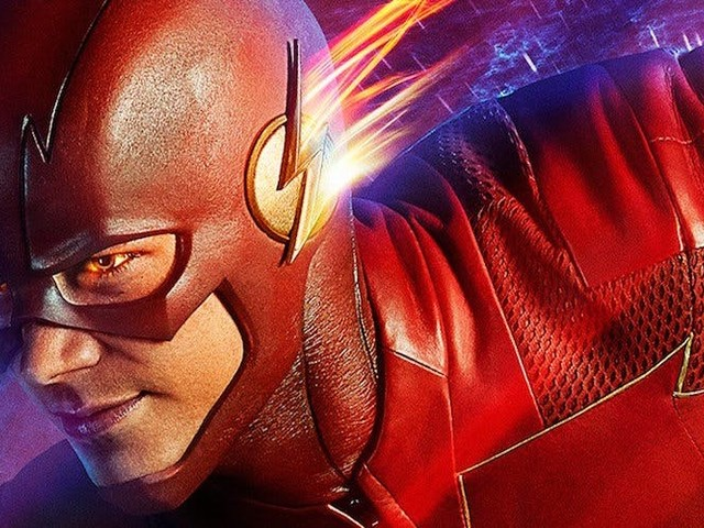 The Flash: [SPOILER] Gets a Superhero Suit in New Set Photos
