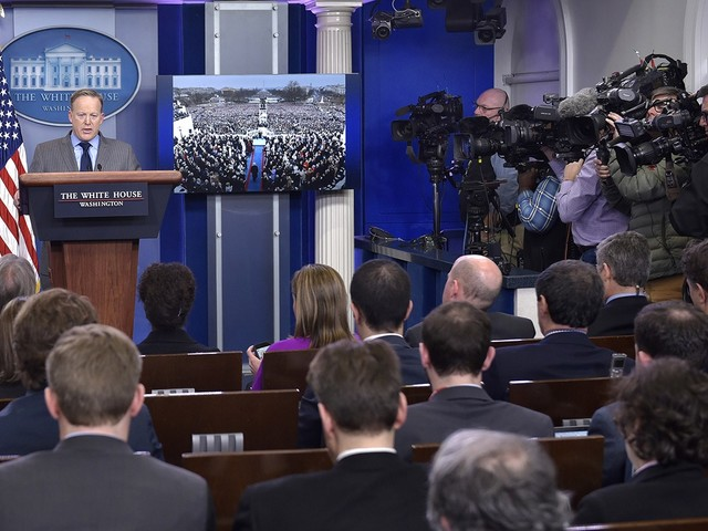 Don't Broadcast Sean Spicer's Press Conferences Live
