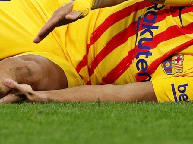 Barcelona striker Luis Suarez out for FOUR months after knee surgery on long-standing problem