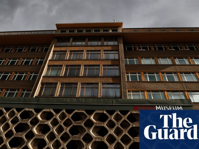 Thieves take medals and jewellery from Berlin's Stasi Museum