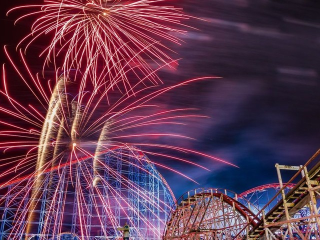 It's your last chance to ride the rollercoasters at Blackpool Pleasure Beach at night