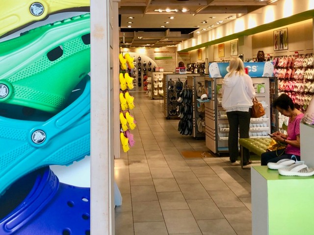 I hated Crocs more than anyone, but just one visit to its store helped me understand why the brand is doing so well