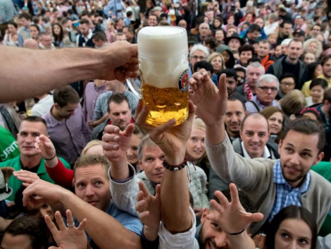 World's biggest beer festival Oct fest opens in Munich