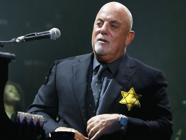 Billy Joel Silently Protested Nazis by Wearing the Star of David Onstage at Madison Square Garden