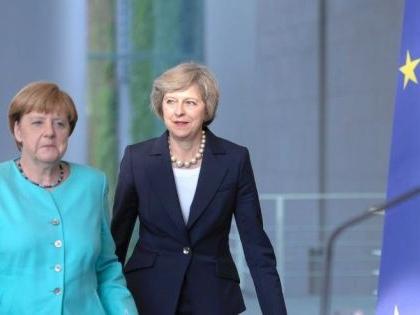 Theresa May flies to Berlin to meet Merkel, ahead of crucial speech on Saturday
