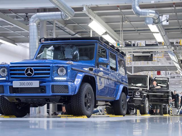 Mercedes-Benz Builds 300,000th G-Class