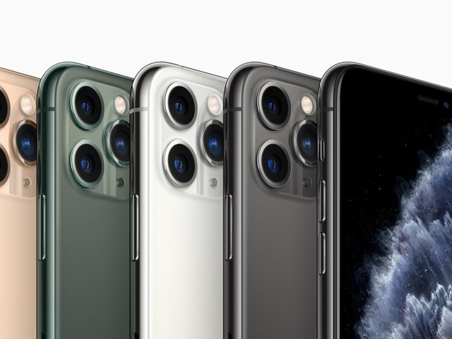 Here's how the new $1,100 iPhone 11 Pro Max compares to Apple's other big phone, the iPhone XS Max (AAPL)