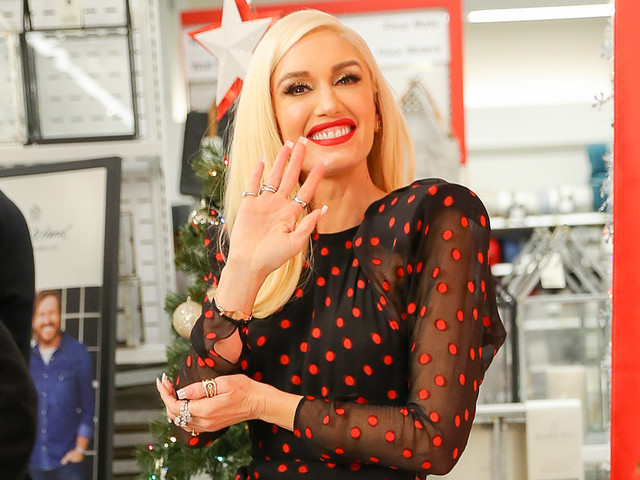Gwen Stefani Gets Festive While Promoting 'You Make It Feel Like Christmas'