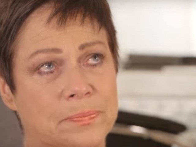 Denise Welch Breaks Down As She Opens Up About Mother's Death From Cancer In Emotional Video