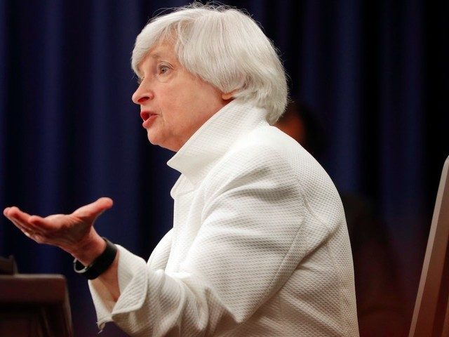 The US economy and the Fed seem to be moving in opposite directions — and it can't last