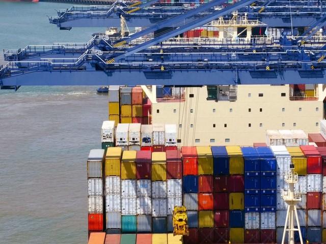 British cargo sets sail into 'unknown future'