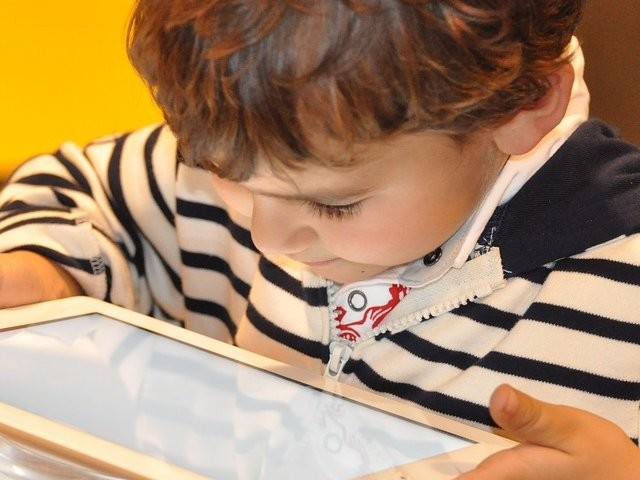 10 ways technology has changed parenting in the last 20 years
