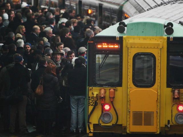 London commuter chaos: Rail misery ahead as Waterloo closes platforms