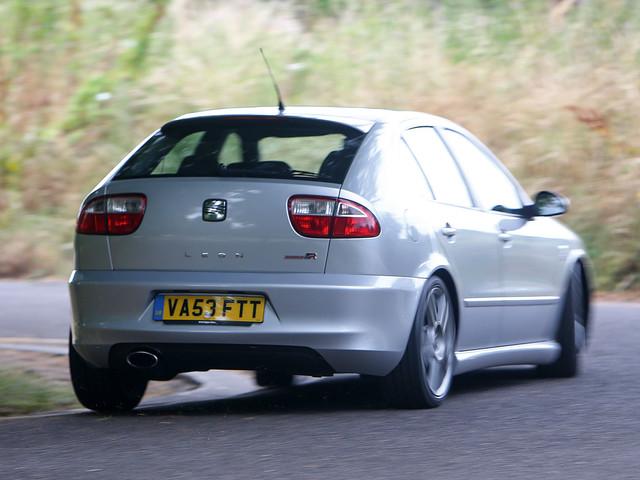 Seat Leon Cupra R Mk1 review | Past Masters