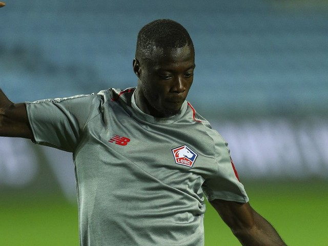 Nicolas Pépé's agent confirms 'discussions with clubs'