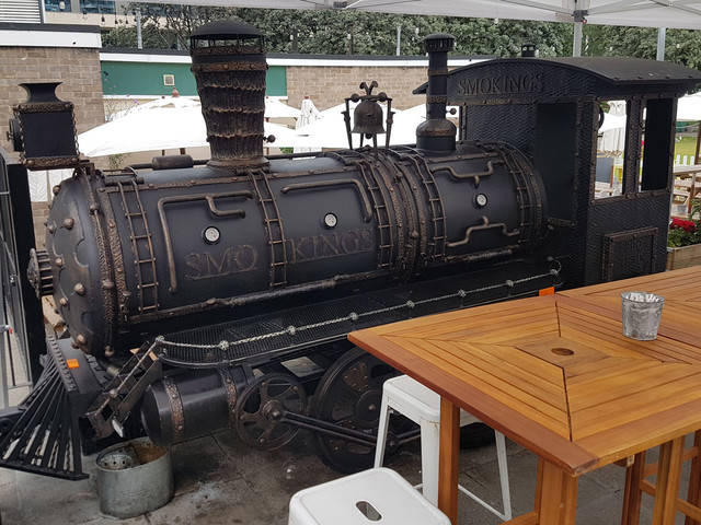 """There's a barbecuing """"steam train"""" in Moorgate at the moment"""