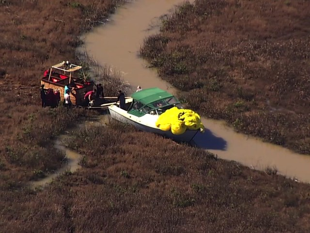 Hot air balloon crashes on Skaggs Island near Vallejo
