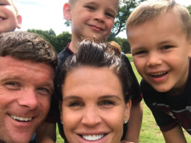 Pregnant Danielle Lloyd Finds An Impressive Way To Fit Four Kids' Car Seats Into The Back Seat Of Her Car
