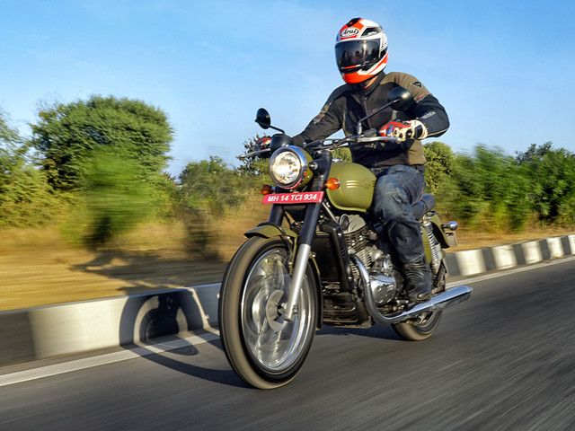 Review: 2018 Jawa, Jawa Forty Two review, test ride